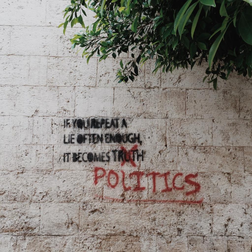 Marca Personal de los políticos: Haz justo lo contrario